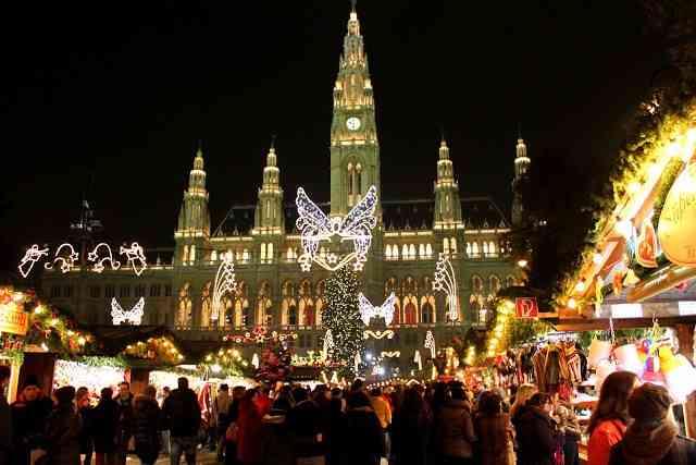 vienna-rathaus-christmas