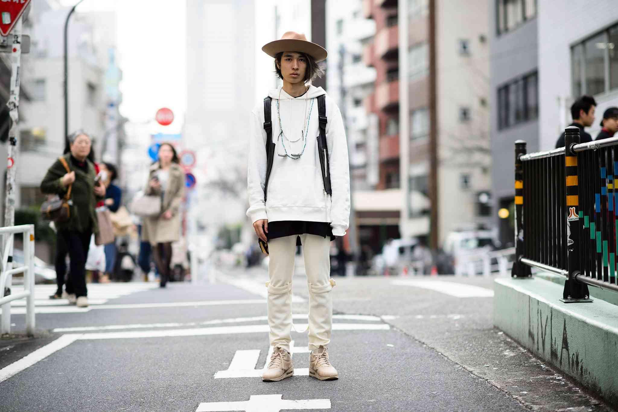 05-fashion-week-tokyo-street-style-fall-2015-22