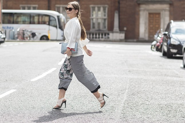 Amy ODonovan Vogue 25Apr15 Dvora_b_646x430