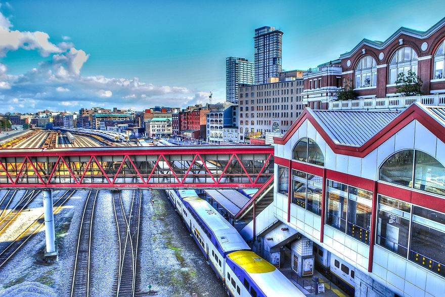 Illuminating-the-City-Surreal-Composite-Photographs-of-Vancouver14__880