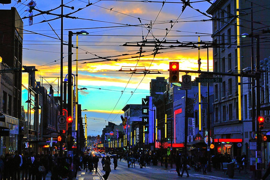 Illuminating-the-City-Surreal-Composite-Photographs-of-Vancouver16__880