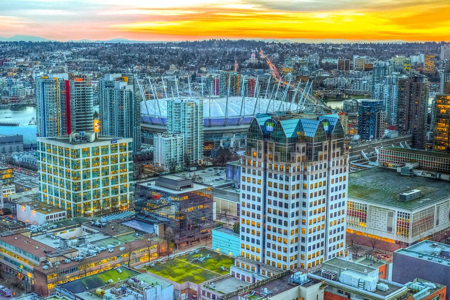 Illuminating-the-City-Surreal-Composite-Photographs-of-Vancouver18__880
