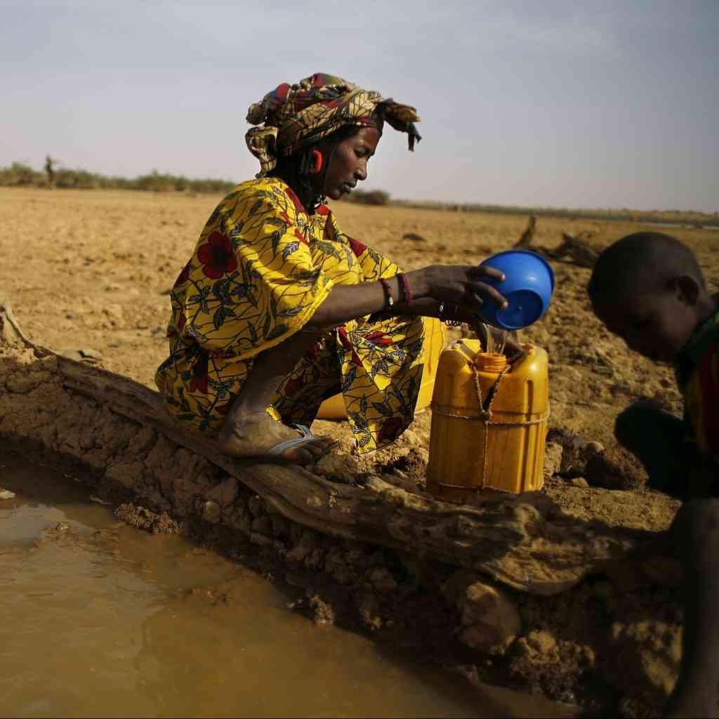 Water-collection-Mali-e1447835712342-1024x1024